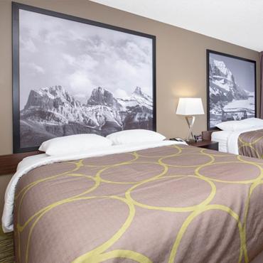 Deluxe Efficiency Room With Two Queen Beds